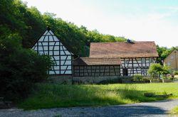 017_Wohnanlagen_Gruppe_Pfalz_-_Rheinhessen_Gehöft_Neuburg
