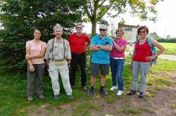 065_Die_Eifelvereinswanderer_am_Ziel_in_Oppenhausen